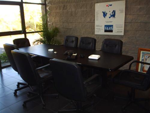 Mesa de reuniones bote linea 7000